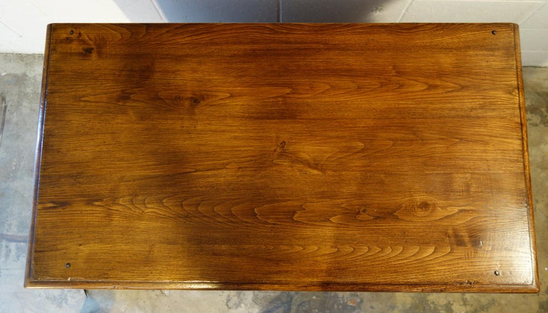18th Century Style Italian Old Chestnut 2 Doors Credenza for Vanity Sink Basin For Sale 7