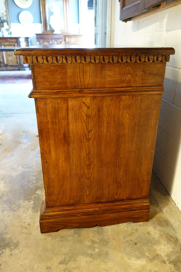18th Century Style Italian Old Chestnut 2 Doors Credenza for Vanity Sink Basin For Sale 9
