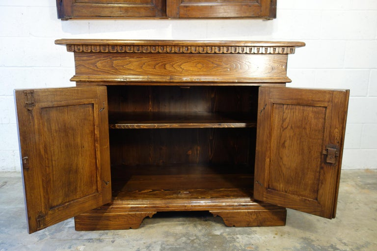 18th Century Style Italian Old Chestnut 2 Doors Credenza for Vanity Sink Basin For Sale 10