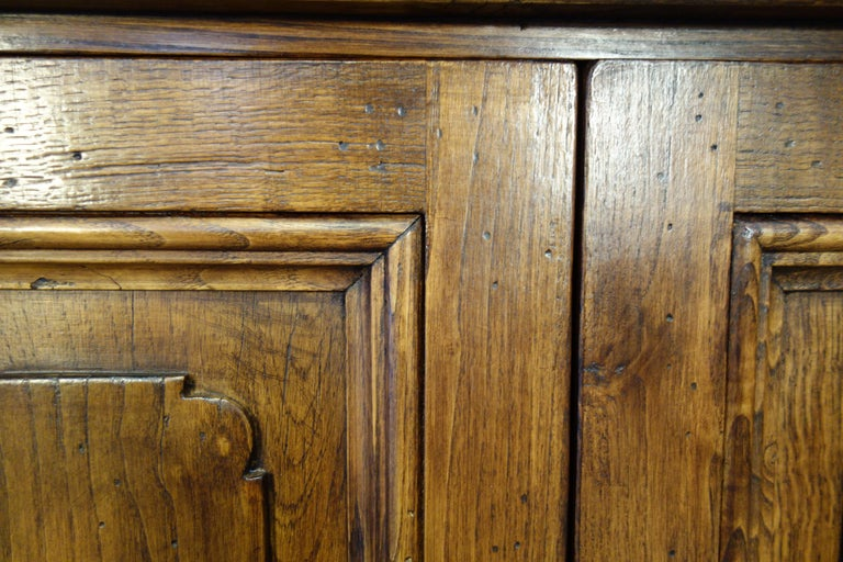 18th Century Style Italian Old Chestnut 2 Doors Credenza for Vanity Sink Basin For Sale 3
