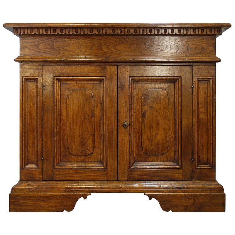 18th Century Style Italian Old Chestnut 2 Doors Credenza for Vanity Sink Basin For Sale