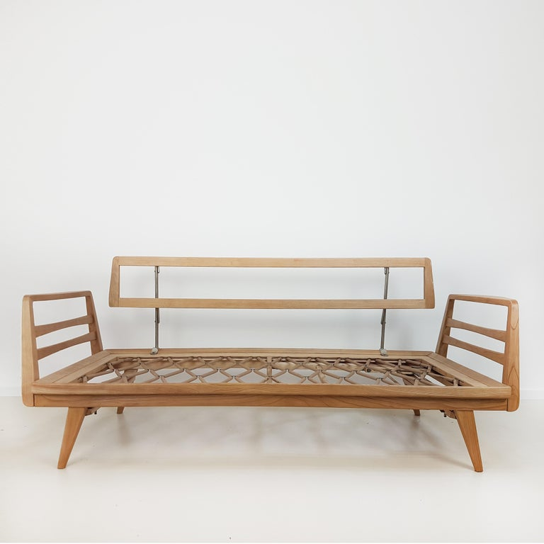 Mid-20th Century Magic Daybed by Wilhelm Knoll for Antimott, 1960 For Sale