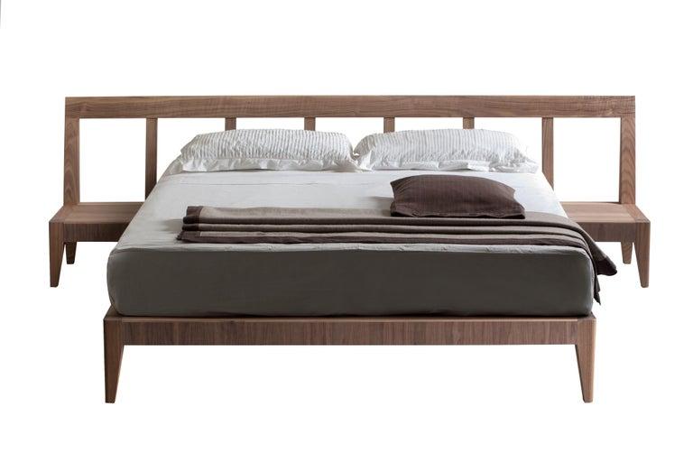 Magic Dream Contemporary bed made of ashwood with 2 drawers in the headboard. Designed by Giuseppe Viganò