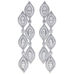 Magnificent 18 Karat Gold and Diamond Earring