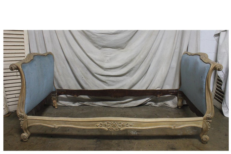 Magnificent 18th Century French Louis XV Period Daybed For Sale 8
