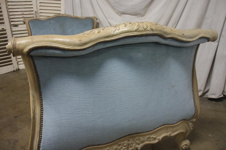 Hand-Carved Magnificent 18th Century French Louis XV Period Daybed For Sale