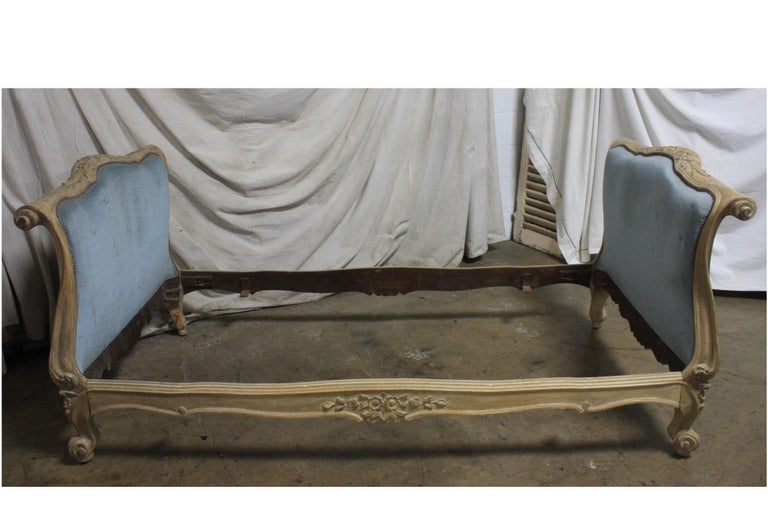 Magnificent 18th Century French Louis XV Period Daybed For Sale 1