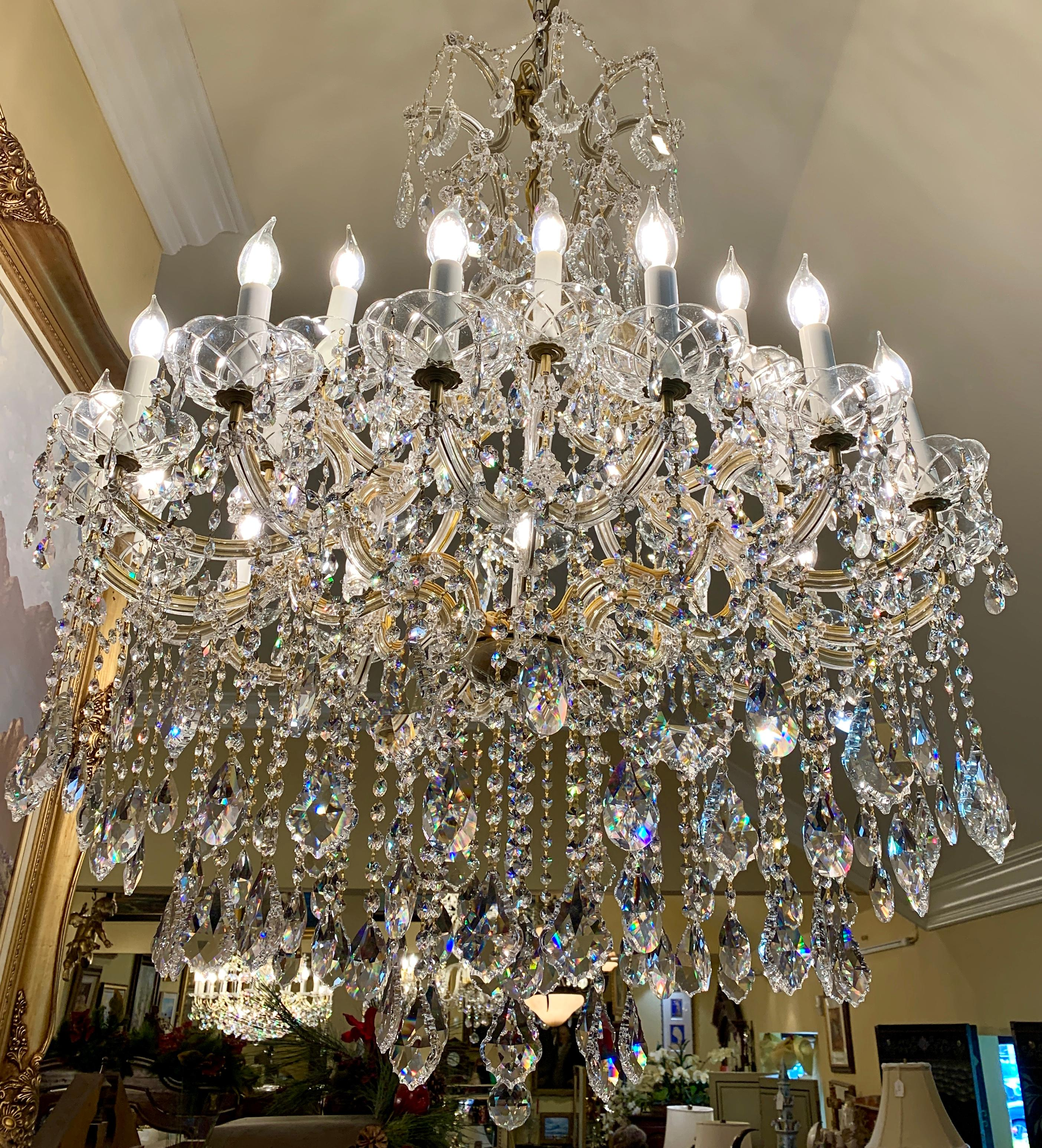PROVINCIAL VINTAGE MARIE THERESE CRYSTAL CHANDELIER 5 ARM