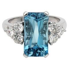 Magnificent 4.70 Carat Aquamarine and Diamond High Quality Engagement Ring