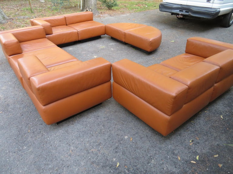 Magnificent 9-Piece Harvey Probber Caramel Brown Leather 'Cubo' Sectional Sofa For Sale 5