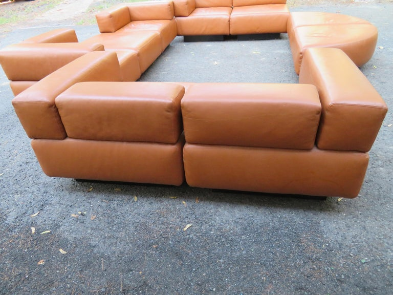 Magnificent 9-Piece Harvey Probber Caramel Brown Leather 'Cubo' Sectional Sofa For Sale 1