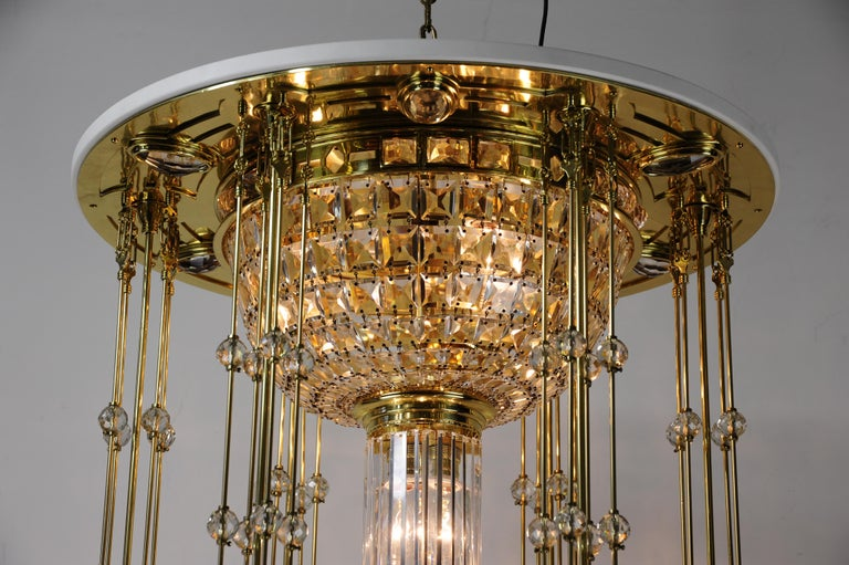 Magnificent and Huge Art Deco Chandelier Vienna, 1920s For Sale 3