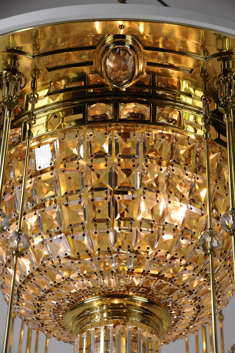 Magnificent and Huge Art Deco Chandelier Vienna, 1920s For Sale 10