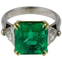 Magnificent Certified 6.81 Carat Colombian Emerald 1.60 Ct Diamond Trilogy Ring