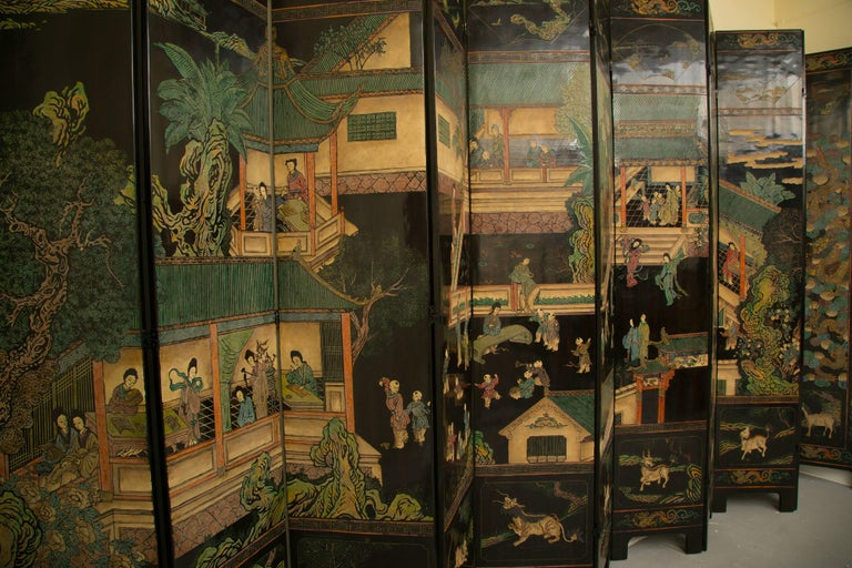 Chinese Export Magnificent Chinese 12-Panel Coromandel Screen For Sale