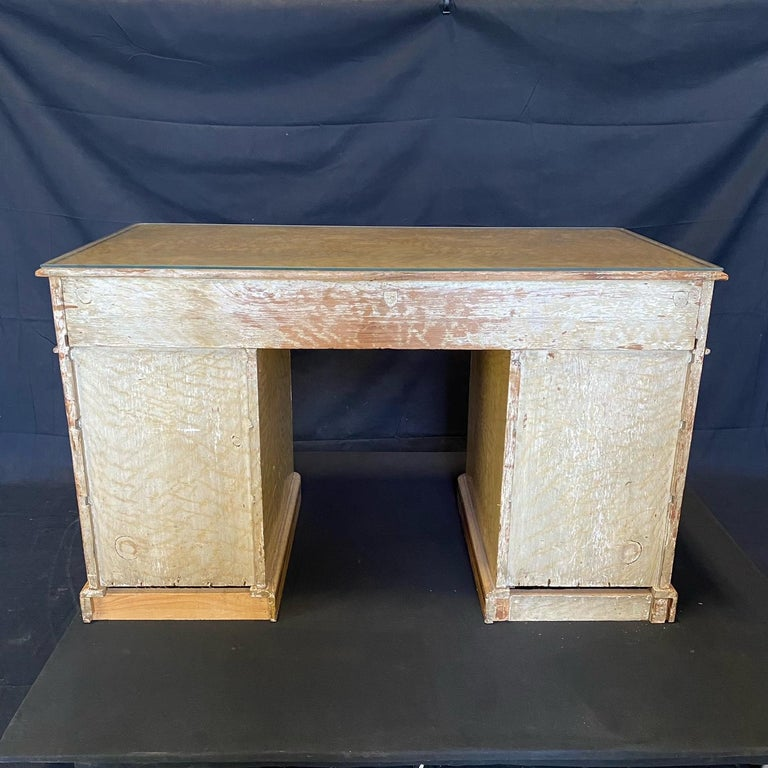 Magnificent English 19th Century Faux Painted Marbleized Pedestal Writing Desk For Sale 8