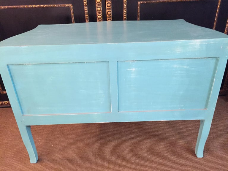 Magnificent French Chest of Drawers in Louis Quinze Style For Sale 10