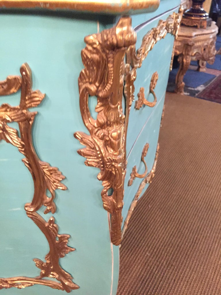Magnificent French Chest of Drawers in Louis Quinze Style For Sale 1