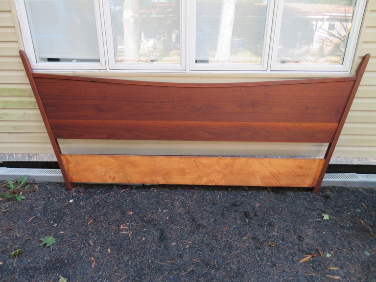 Magnificent George Nakashima Widdicomb Kingsize Headboard Bed Origins Collection For Sale 5