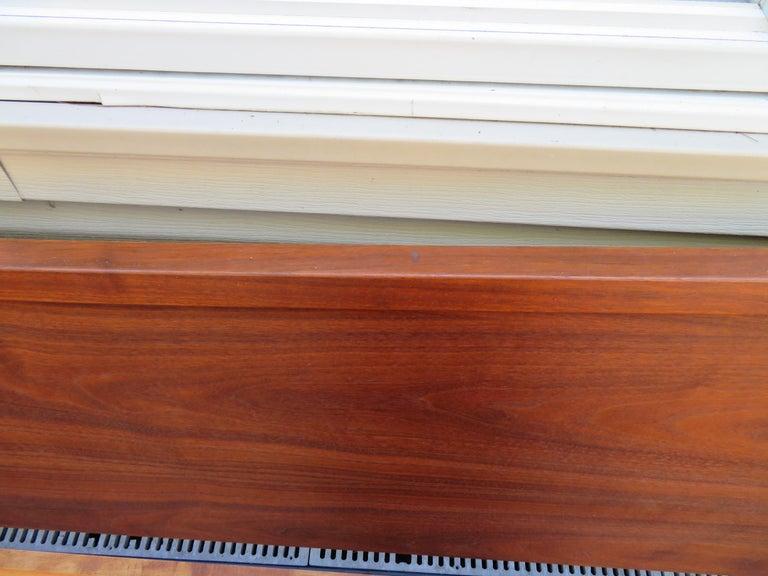 Walnut Magnificent George Nakashima Widdicomb Kingsize Headboard Bed Origins Collection For Sale