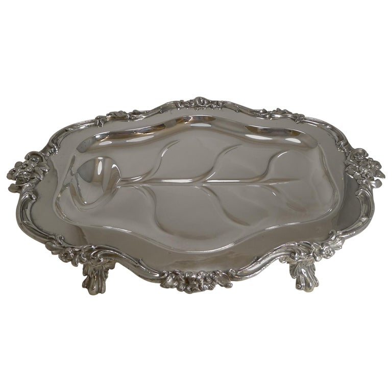 Magnificent Georgian Warming Meat Serving Dish in Silver Plate, circa 1820 For Sale