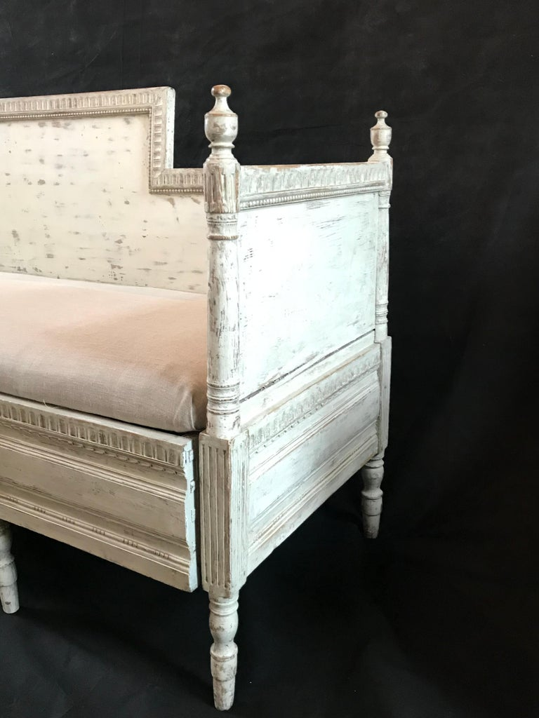 Magnificent Gustavian Carved Wood and Upholstered Settee Sofa For Sale 1