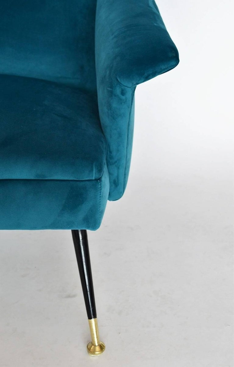 Italian Mid-century Sofa Reupholstered with Petrol Velvet, 1950s For Sale 3