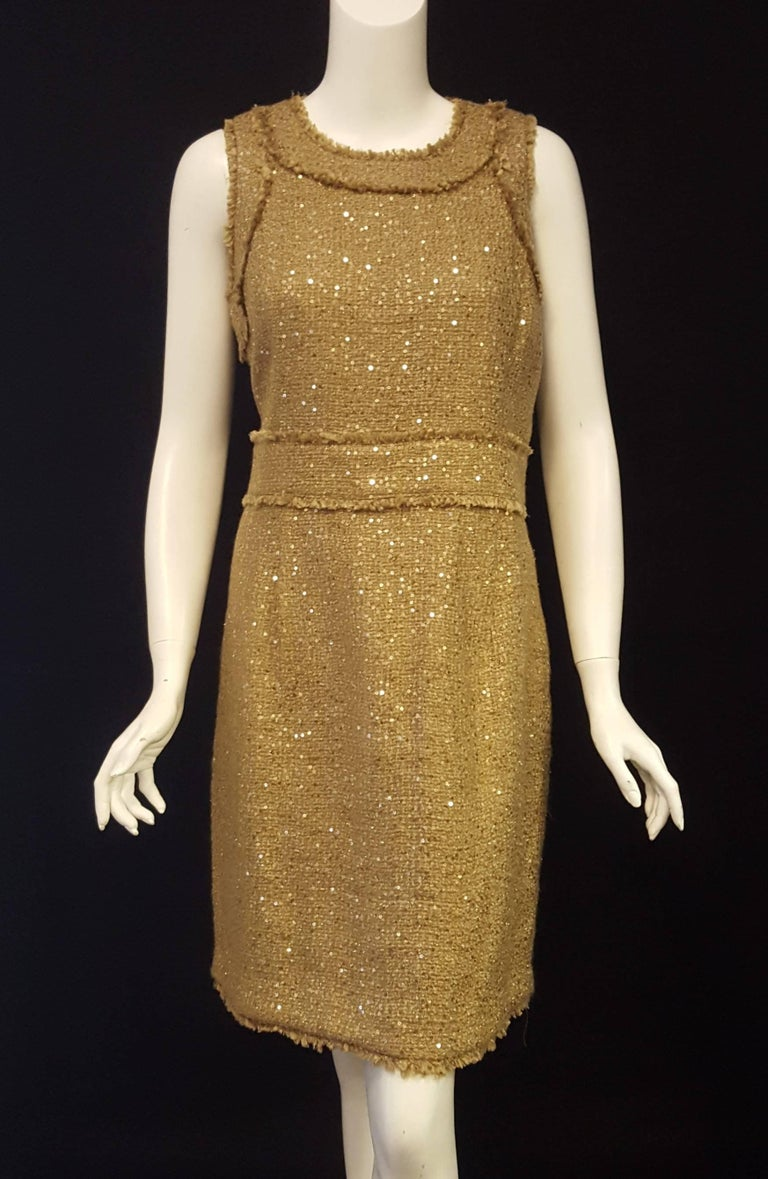 Magnificent Michael Kors Tweed  Two Piece Dress Suit Rose Gold Tone Sequin  In Excellent Condition For Sale In Palm Beach, FL