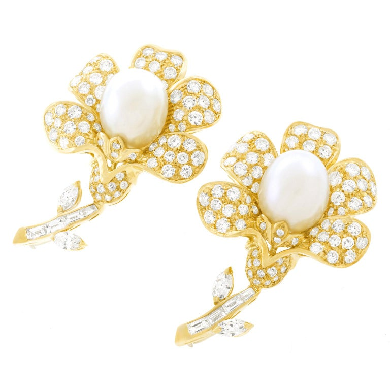 Magnificent Pair of Pearl and Diamond set Gold Flower Brooches In Excellent Condition For Sale In Litchfield, CT