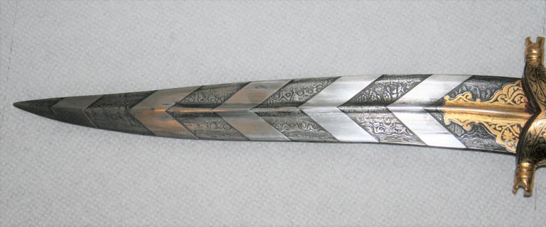 Indian Magnificent Richly Decorated 1920s Damascened Rajput Dagger with Gold Work For Sale