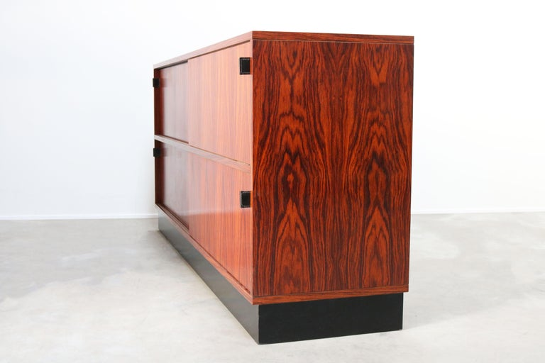 Magnificent Rosewood Sideboard by Florence Knoll for Knoll 1950s Black Leather For Sale 10