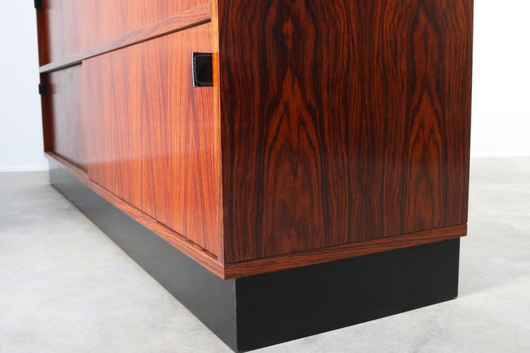 Magnificent Rosewood Sideboard by Florence Knoll for Knoll 1950s Black Leather For Sale 11