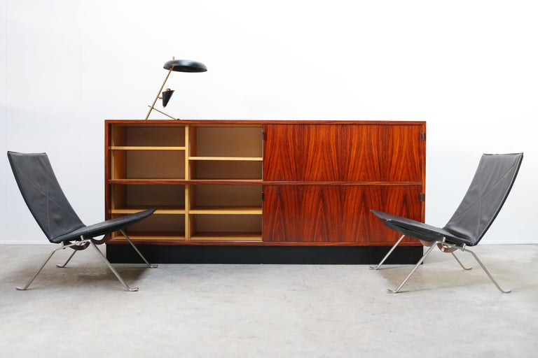 Magnificent Rosewood Sideboard by Florence Knoll for Knoll 1950s Black Leather For Sale 12