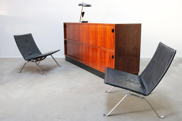 Magnificent Rosewood Sideboard by Florence Knoll for Knoll 1950s Black Leather For Sale 14