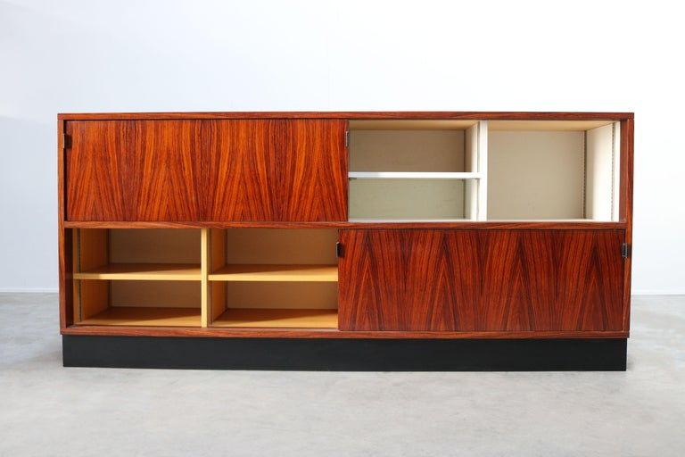 Magnificent Rosewood Sideboard by Florence Knoll for Knoll 1950s Black Leather For Sale 2