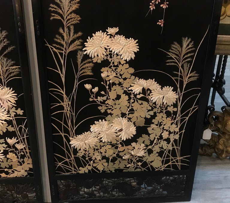 Magnificent Set of 4 Antique Japanese Silk Needlework Framed Panels, circa 1890 For Sale 3
