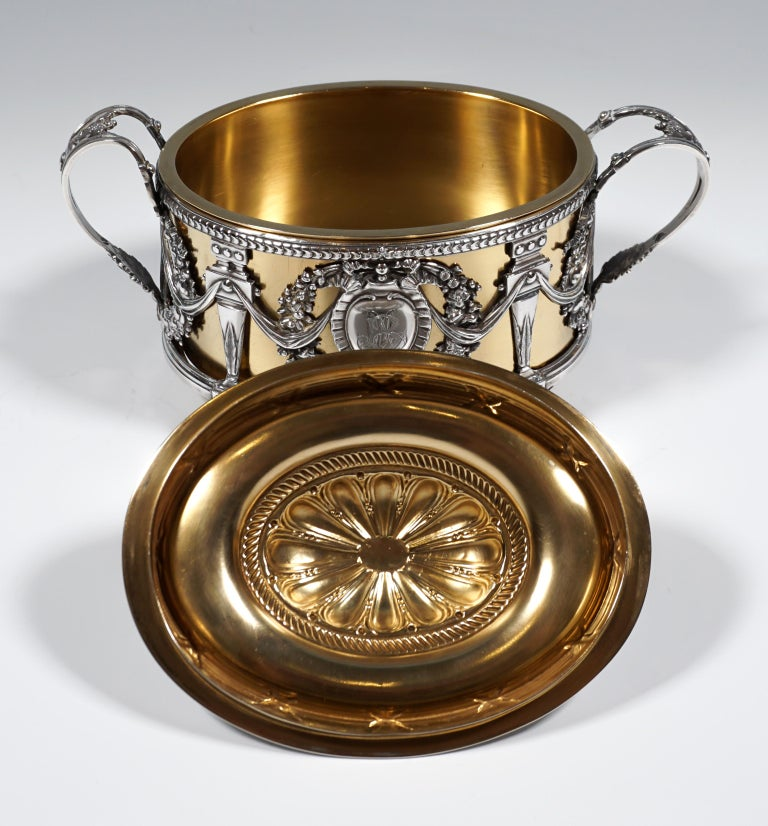 Early 20th Century Magnificent Silver Sugar Bowl with Gilding, Adolphe Boulenger Paris, around 1890 For Sale