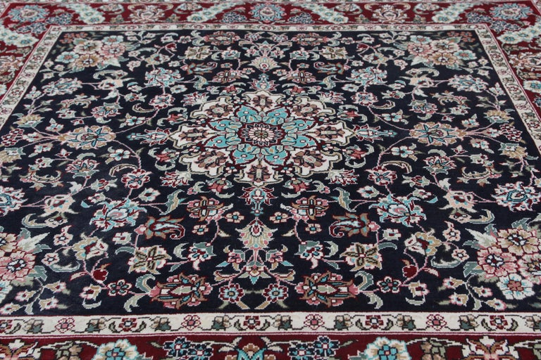 Magnificent Square Vintage Chinese Herekeh Silk Rug with Traditional Area Rug In New Condition For Sale In Hampshire, SO51 8BY