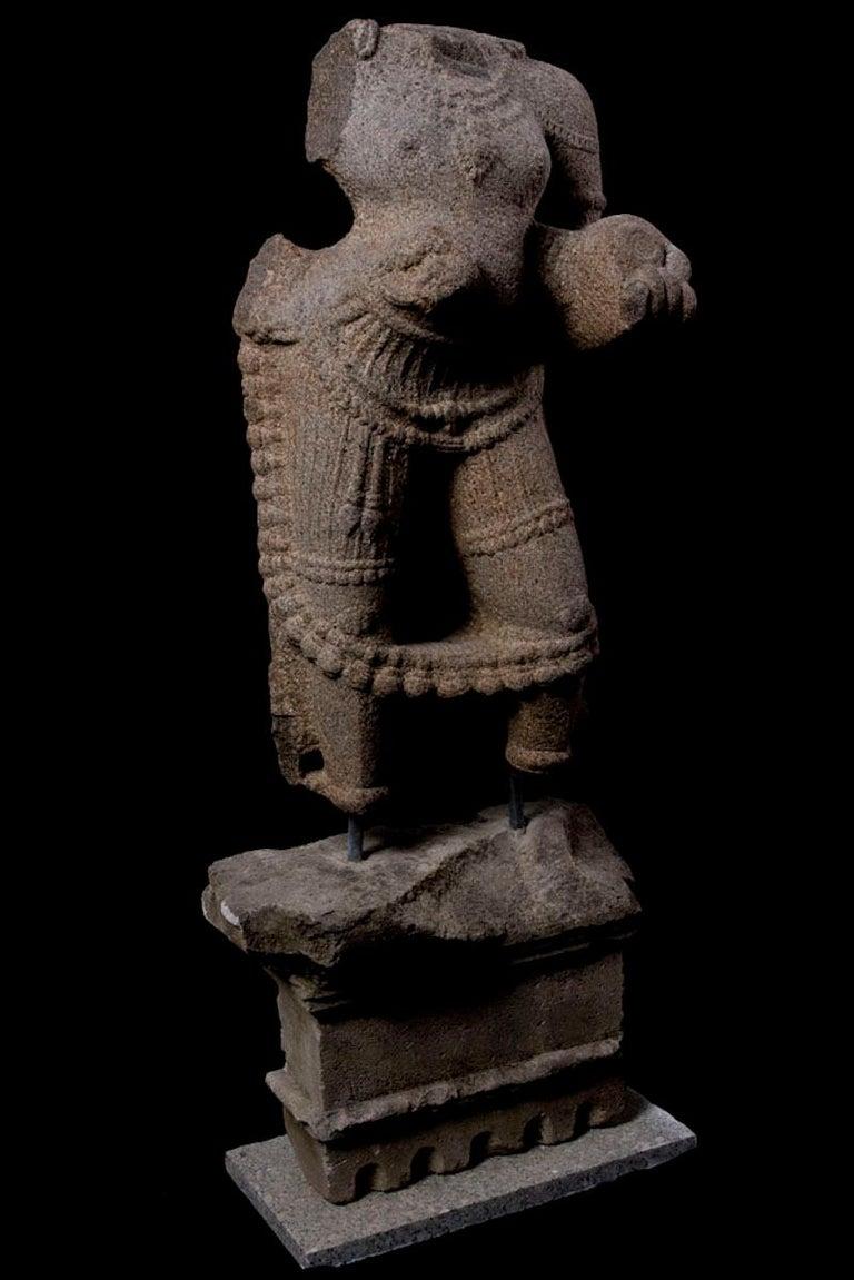 Maharaja Granite Torso In Excellent Condition For Sale In San Pedro Garza Garcia, Nuevo Leon
