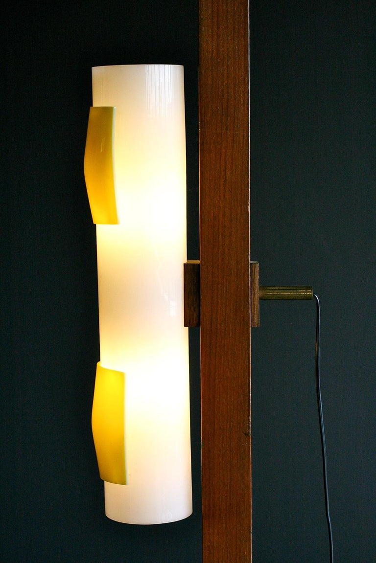 Mid-Century Modern Mahogany and Carrara Marble Floor Lamp For Sale