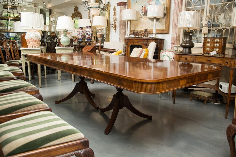Mahogany and Inlaid Dining Room Table For Sale 1