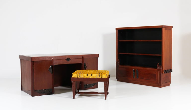 Mahogany Art Deco Amsterdam School Pedestal Desk by Willem Raedecker, 1920 For Sale 8