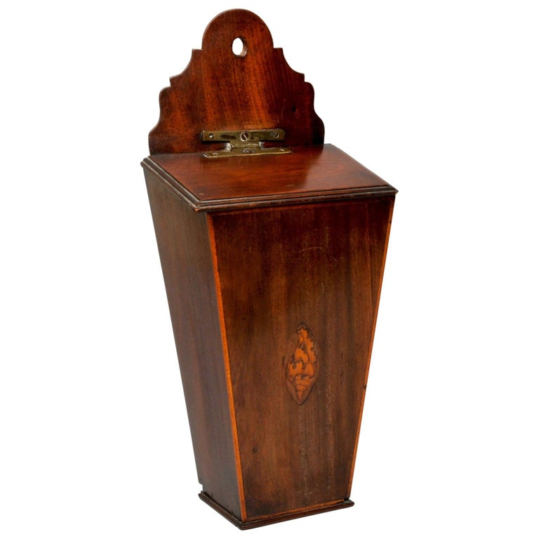 Mahogany Candle Box with a Satinwood Shell Inlay, circa 1790 For Sale