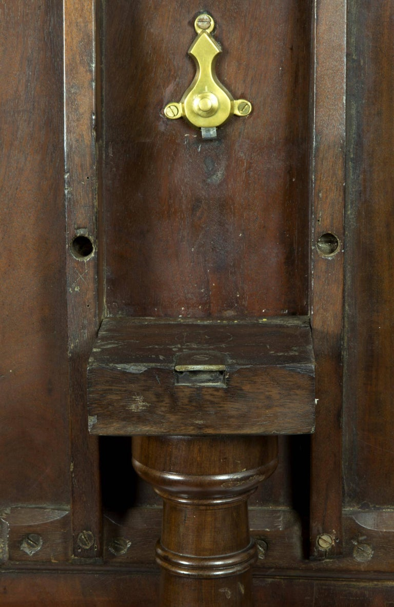Mahogany Classical Candle Stand, American, circa 1820 In Excellent Condition For Sale In Providence, RI