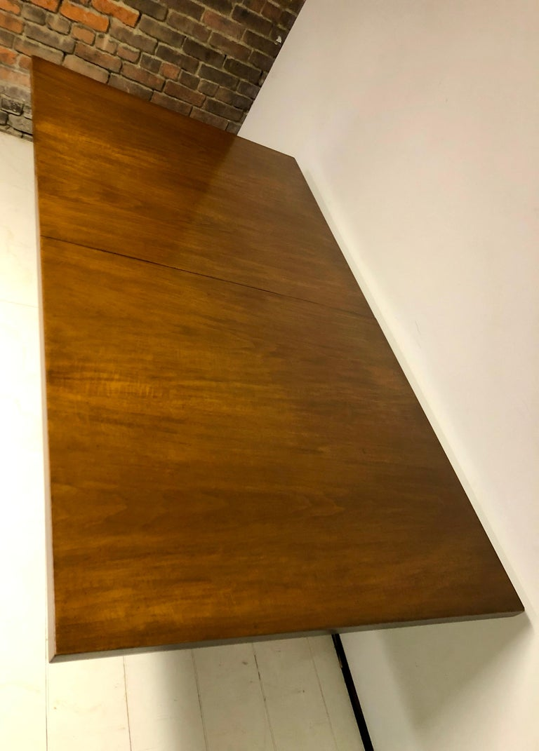 Mahogany Dining Table by T.H. Robsjohn-Gibbings In Good Condition For Sale In Hudson, NY