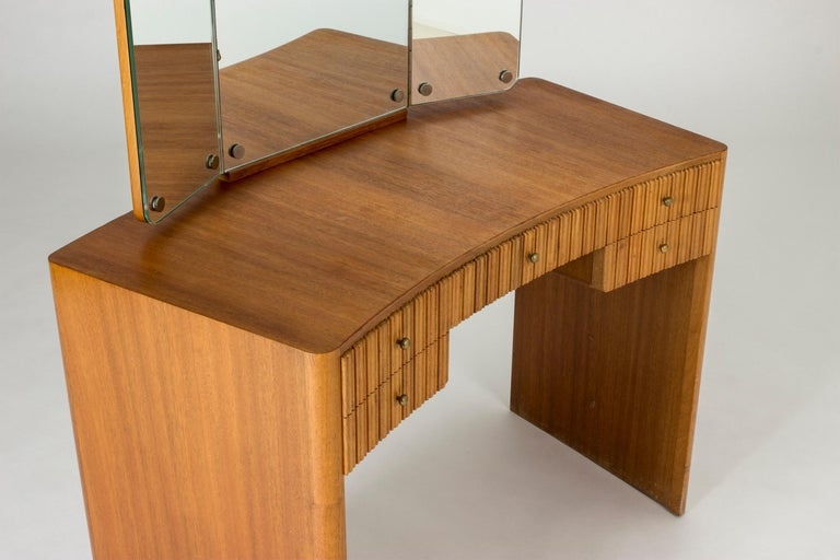 Mahogany Dressing Table by Carl-Axel Acking for Nordiska Kompaniet In Good Condition For Sale In Stockholm, SE