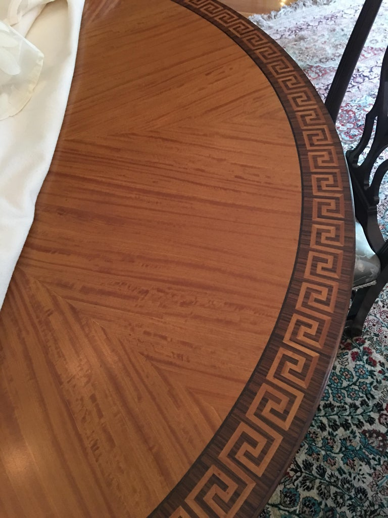 Mahogany Round Table with Greek Key Inlay on a Decorative Pedestal, 20th Century In Good Condition For Sale In Savannah, GA