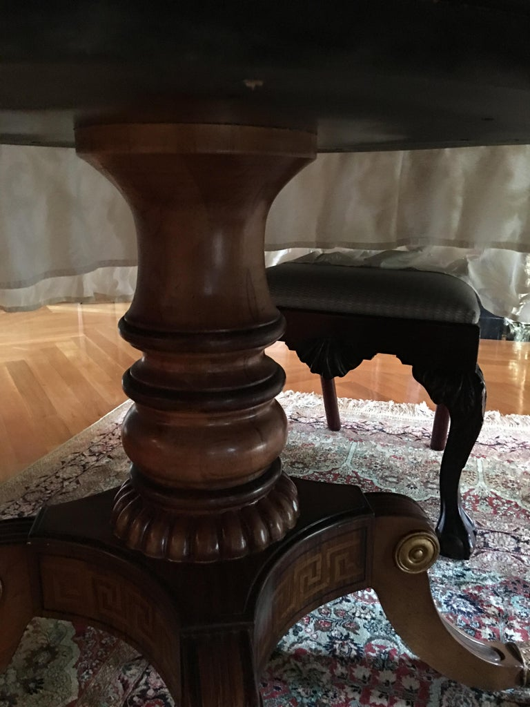 Mahogany Round Table with Greek Key Inlay on a Decorative Pedestal, 20th Century For Sale 4