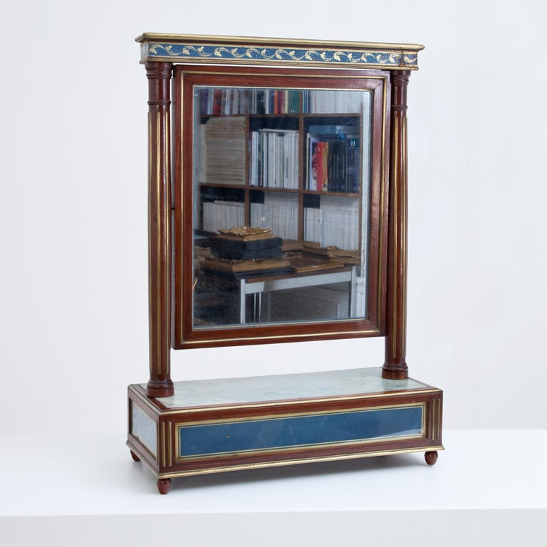 Neoclassical Mahogany Table Mirror with Verre Églomisé Inlays, St. Petersburg, circa 1800 For Sale