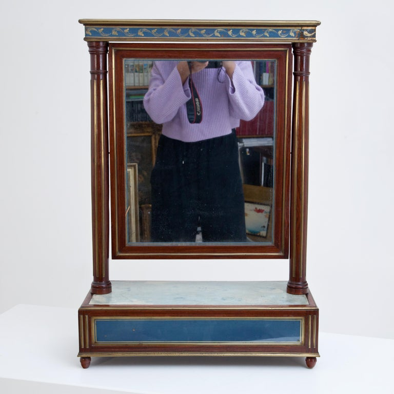 Russian Mahogany Table Mirror with Verre Églomisé Inlays, St. Petersburg, circa 1800 For Sale